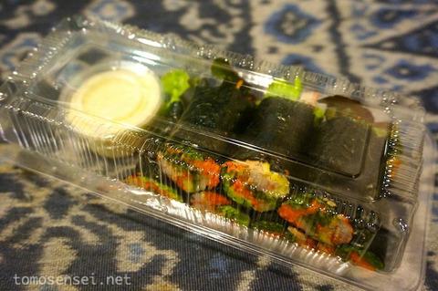 【糖質制限】バンコクの屋台で買ったサラダ海苔巻きを実食!