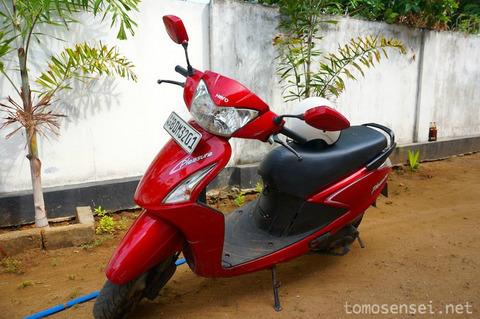 【スリランカ】08_バイクに乗ってジャフナ郊外の「ハメンヒール要塞/Hammenhiel Fort」へ