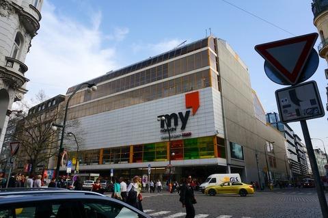 <中欧3カ国周遊その38>プラハのTESCOスーパーはビール祭