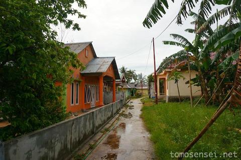 【インドネシア】12_ハッタ島の村をお散歩したらコロニアルを見つけたよ