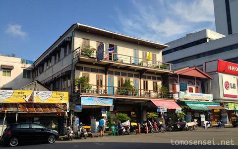 【タイ・ムック島の旅】①駅前の便利なお手頃ホテル「スリ・トラン・ホテル/Sri Trang Hotel」