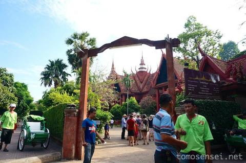 【カンボジア】07_伝統的なクメール建築の博物館「カンボジア国立博物館/National Museum of Cambodia」