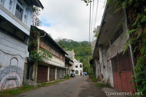 【インドネシア】パダンの旧市街に建つコロニアルカフェ&レストラン「Weekend Cafe」
