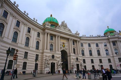 <中欧3カ国周遊その21>ウィーン王宮をちょろっと観光