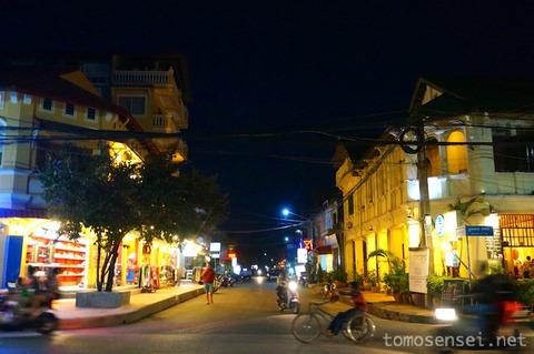 【カンボジア】12_エスプリ紳士がもてなしてくれるカンポットの洋食系レストラン「Bokor Restaurant」