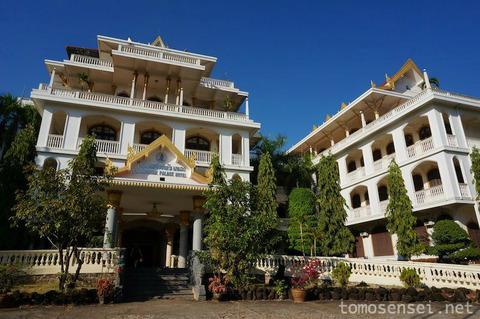 【南部ラオス旅行その13】元王宮がホテルに!「チャンパーサック・パレス・ホテル/Champasak Palace Hotel」