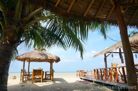 【ランタ島】15_超遠浅のビーチを愛でながらビールいかがっすか「Saladan Restaurant」