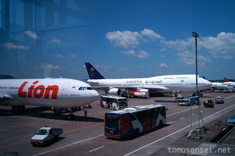 【インドネシア】01_マカッサルから入国!スルタン・ハサヌディン国際空港での乗り継ぎについて