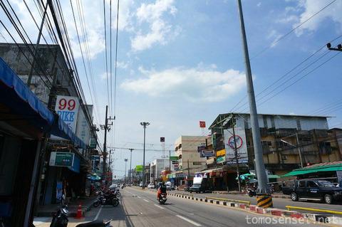 【タイ深南部】11_バイクに乗ってナラティワート市郊外のアオマナオ国立公園へ