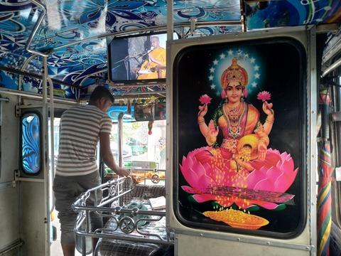 【ほぼリアルタイム紀行】スリランカ北東部トリンコマリーからコロンボまでバスと列車で一日がかりの大移動!